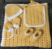 Newborn warmth set! (Blankie, hat, socks, mittens, bib)